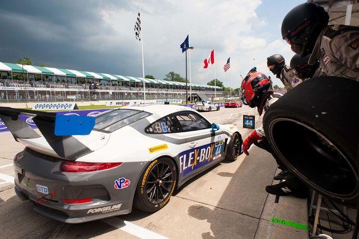 #44 Magnus Racing Porsche 911 GT America: John Potter, Andy Lall