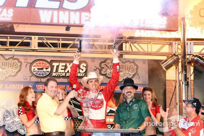 indycar-texas-2012-victory-lane-race-winner-justin-wilson-dale-coyne-racing-honda