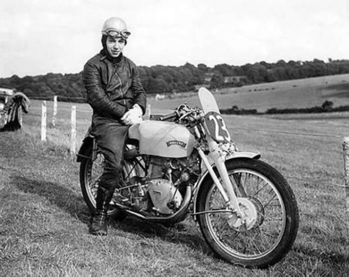 john-surtees-in-1951-716x570