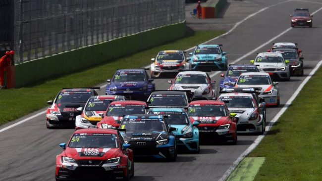 2017-2017-Monza-Race-2-Start-Race2_12