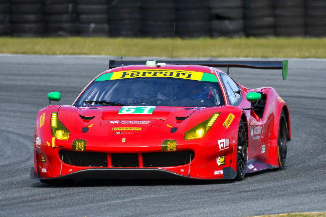 Serra-in-Spirit-of-Race-Ferrari-at-Daytona