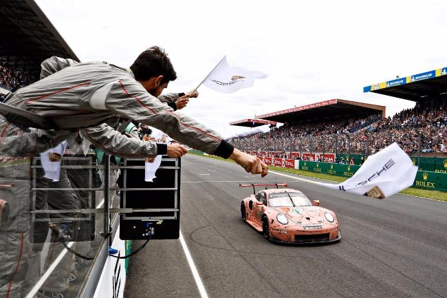 Porsche GT Team #92