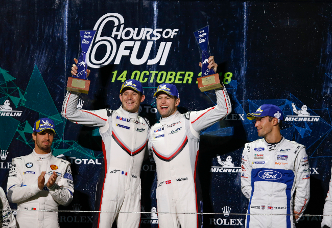 Kevin Estre (F), Michael Christensen (DK), Porsche GT Team (l-r)